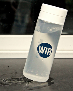 "Wasserflasche - ""Water is Right"""