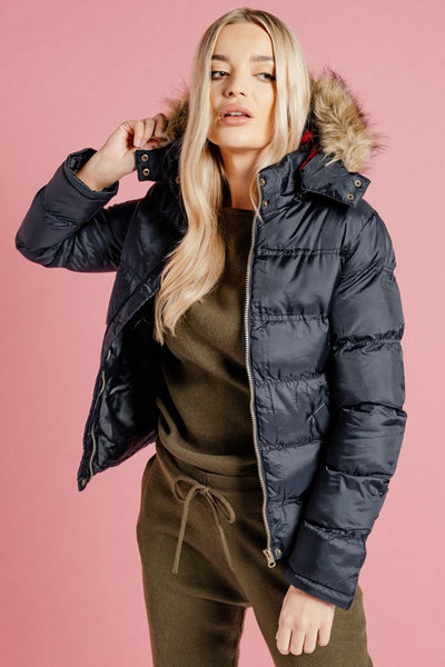 BLACK HOODED PUFFER JACKET