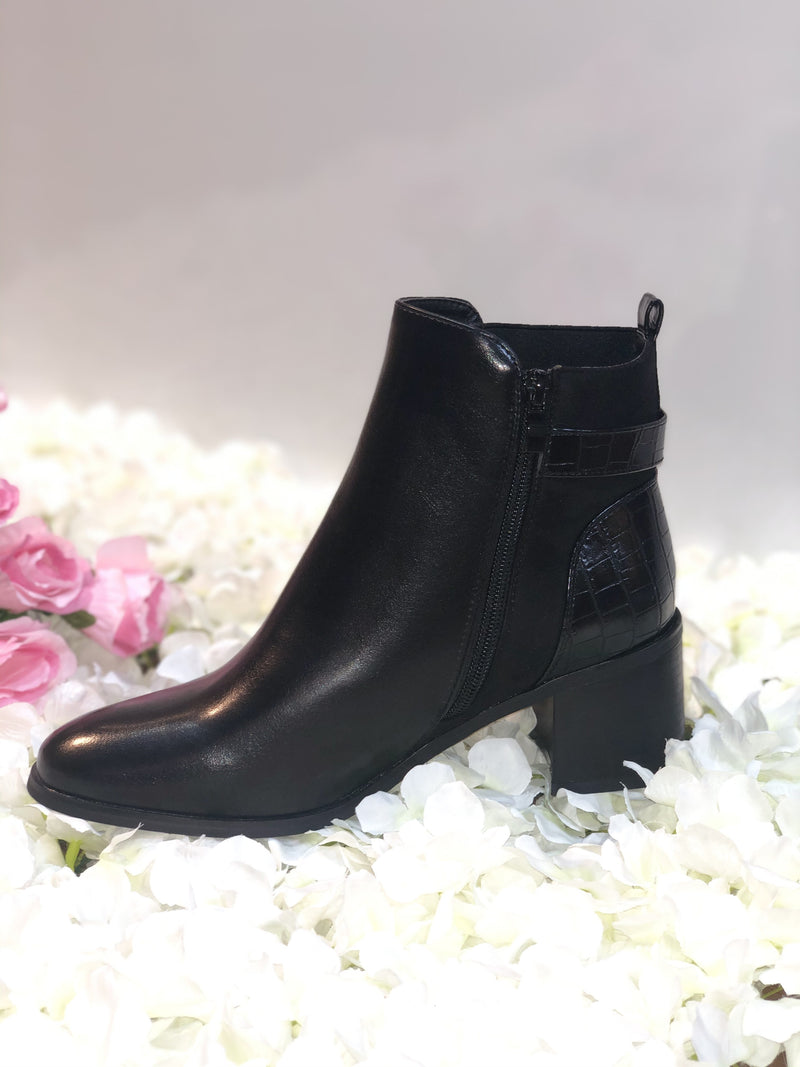 BLACK NAPPA FAUX LEATHER ANKLE BOOT