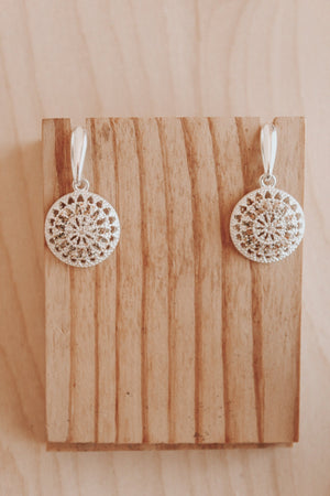 Open image in slideshow, Connective Kina Earrings