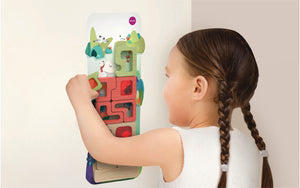 Child using Oribel VertiPlay Mystical Aquarium Puzzle