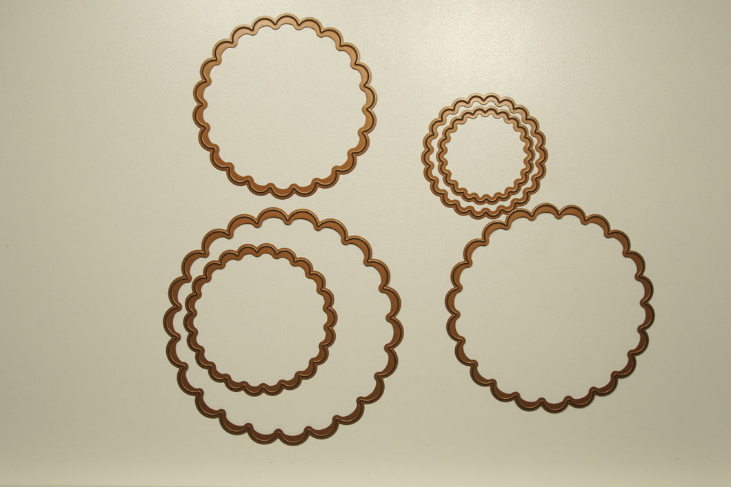 Classic scalloped circles