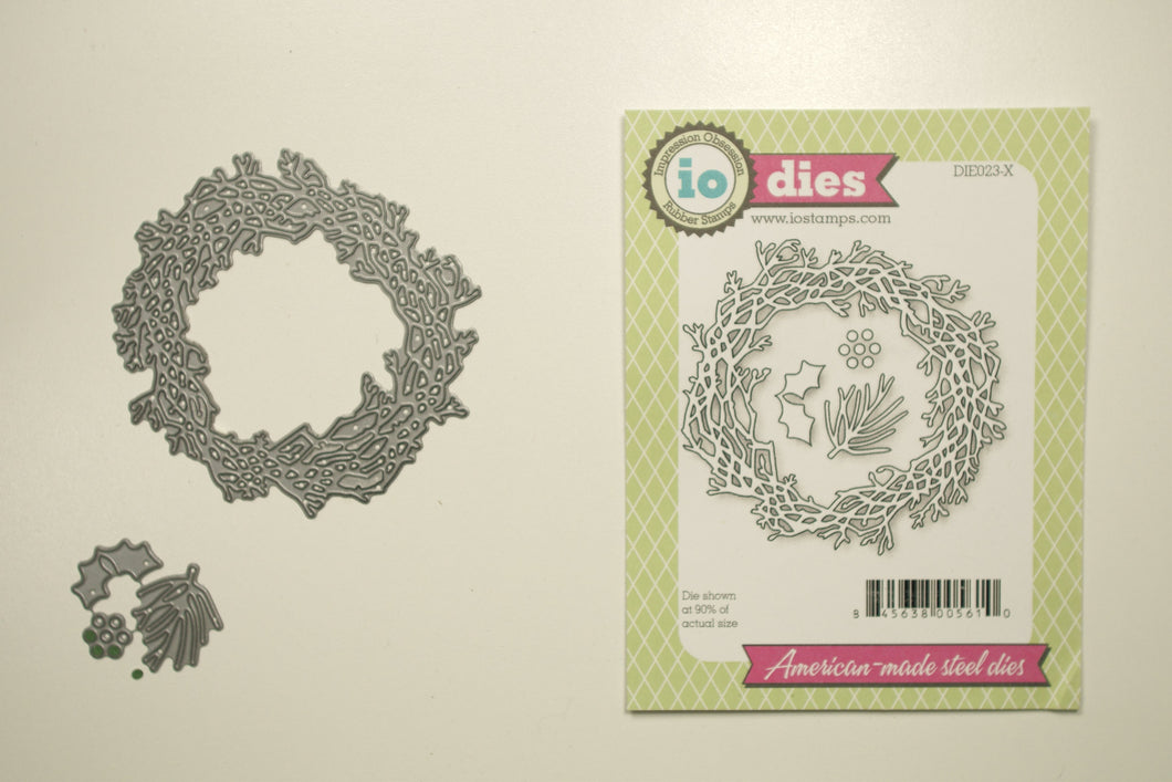 DIE023-X Wreath with holly & leaves