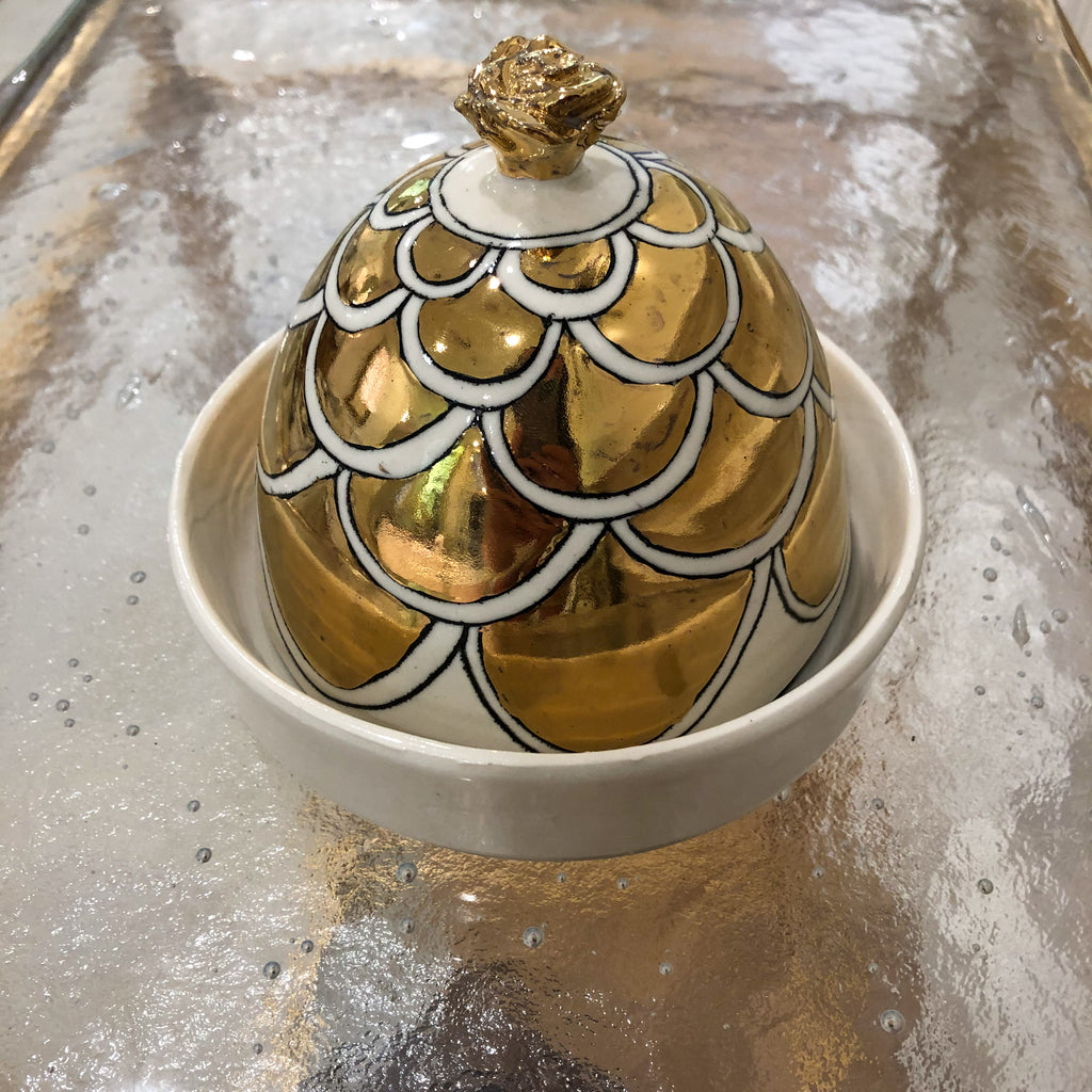 Round Butter Dish w/ Gold Arch
