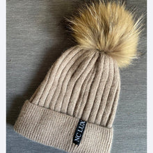 Load image into Gallery viewer, Ponpom Hat