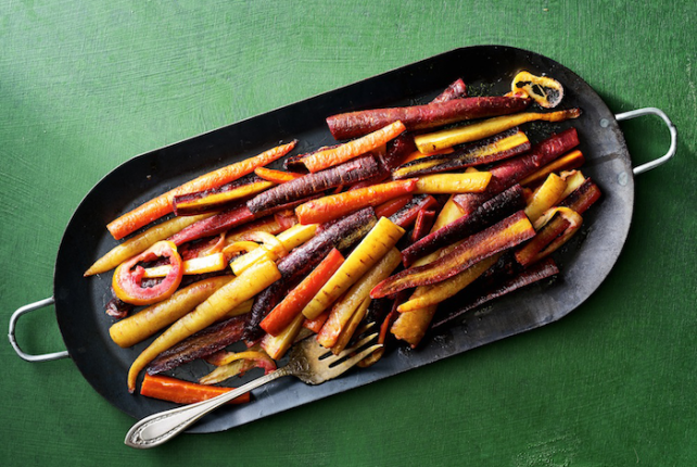 Thanksgiving Vegetarian Sides - Roasted Ghee Carrots with Filfil No.7 Garlic Hot Sauce