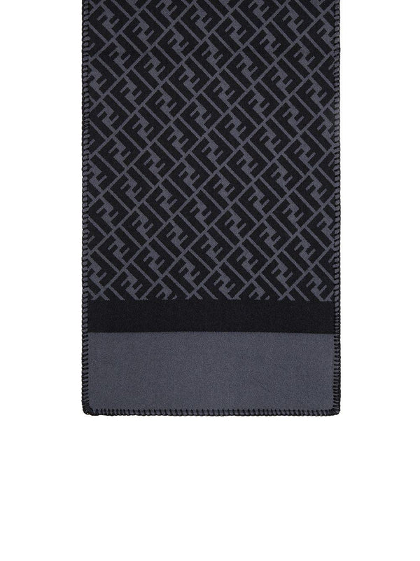 FF-motif knitted scarf - Verso