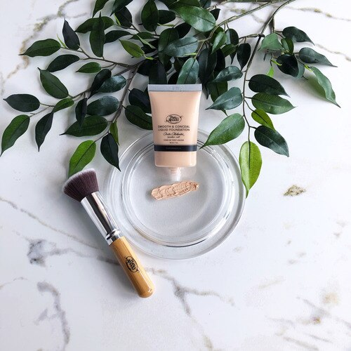 Arctic Alabaster Liquid Foundation (Porcelain /Cool) - Sample