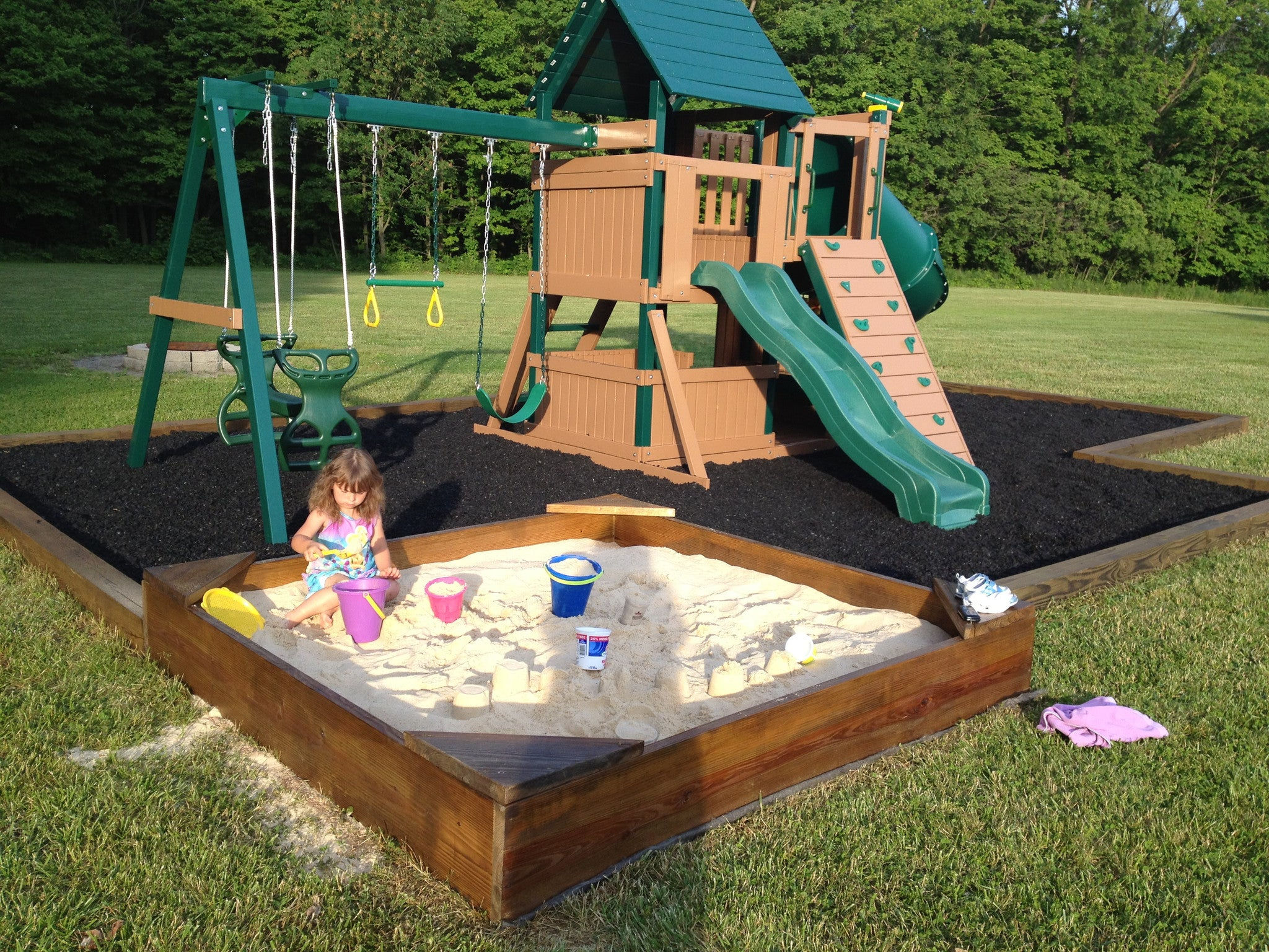 Playsafer® Black Rubber Mulch   Dyed Solid (ASTM F 3012 CERTIFIED)