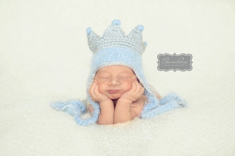 Daisy Baby Knitted Prince Albert Crown Toque Photo Prop Size 0 to 6 Months Only Blue
