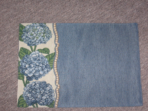 Set of 6 Hydrangea Placemats by Manual Woodworkers Weavers Set of 6 Annabelle's Blossoms