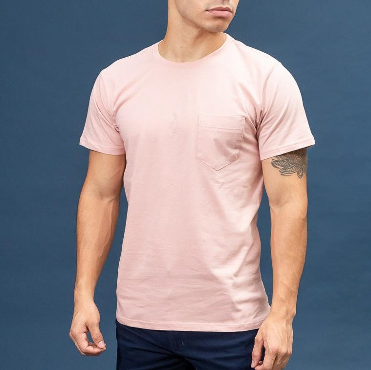 Remera Básica Slim Fit c/ bolsillo