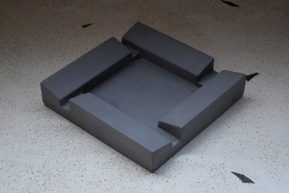 FUMI cement ashtray