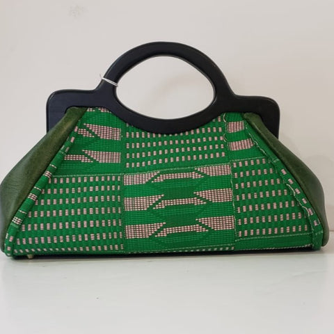 Oye Green Clutch