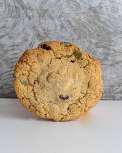 Cranberry, Oat & White Chocolate Cookie (n)