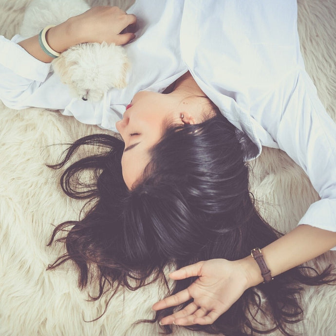 5 Super-easy Hacks to Help You fall Asleep in 5 Minutes
