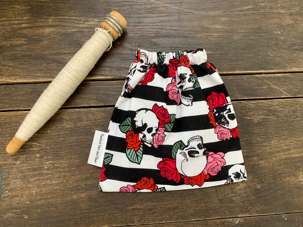 Skull and Roses Ball Bag