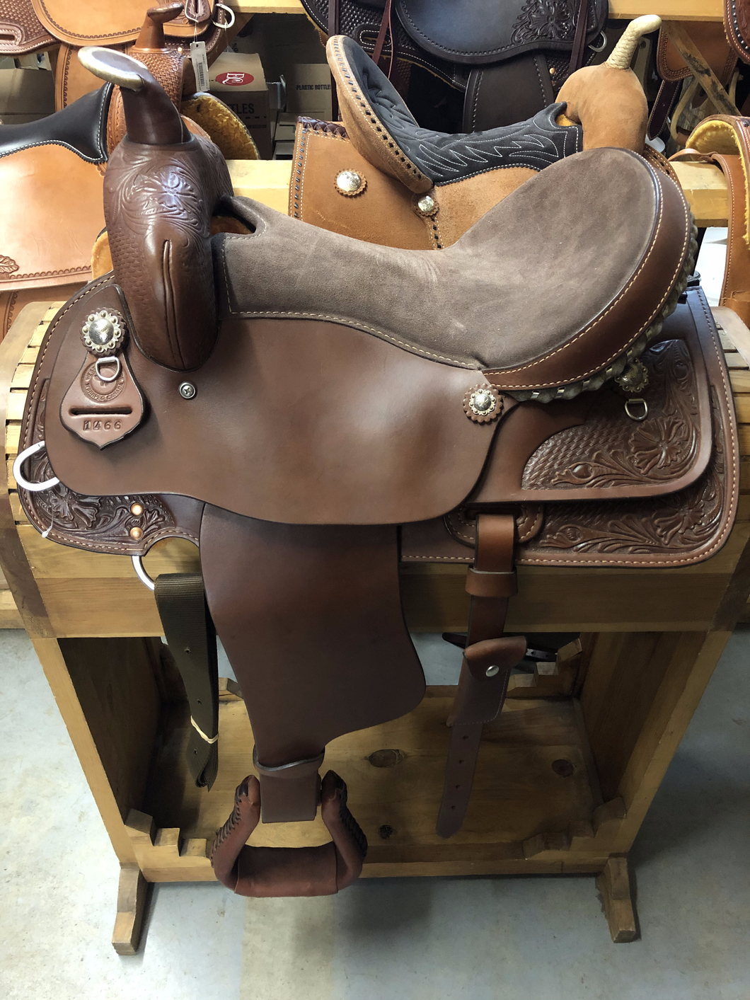 16'' Western Rawhide Trail Saddle - Brown