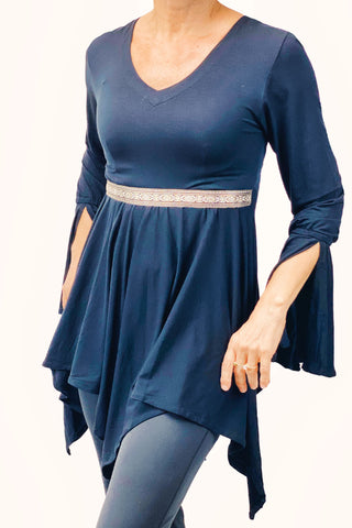 Woman's renaissance lycra top Navy