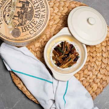 RECIPE: BAKED BRIE WITH FIGS AND PECANS