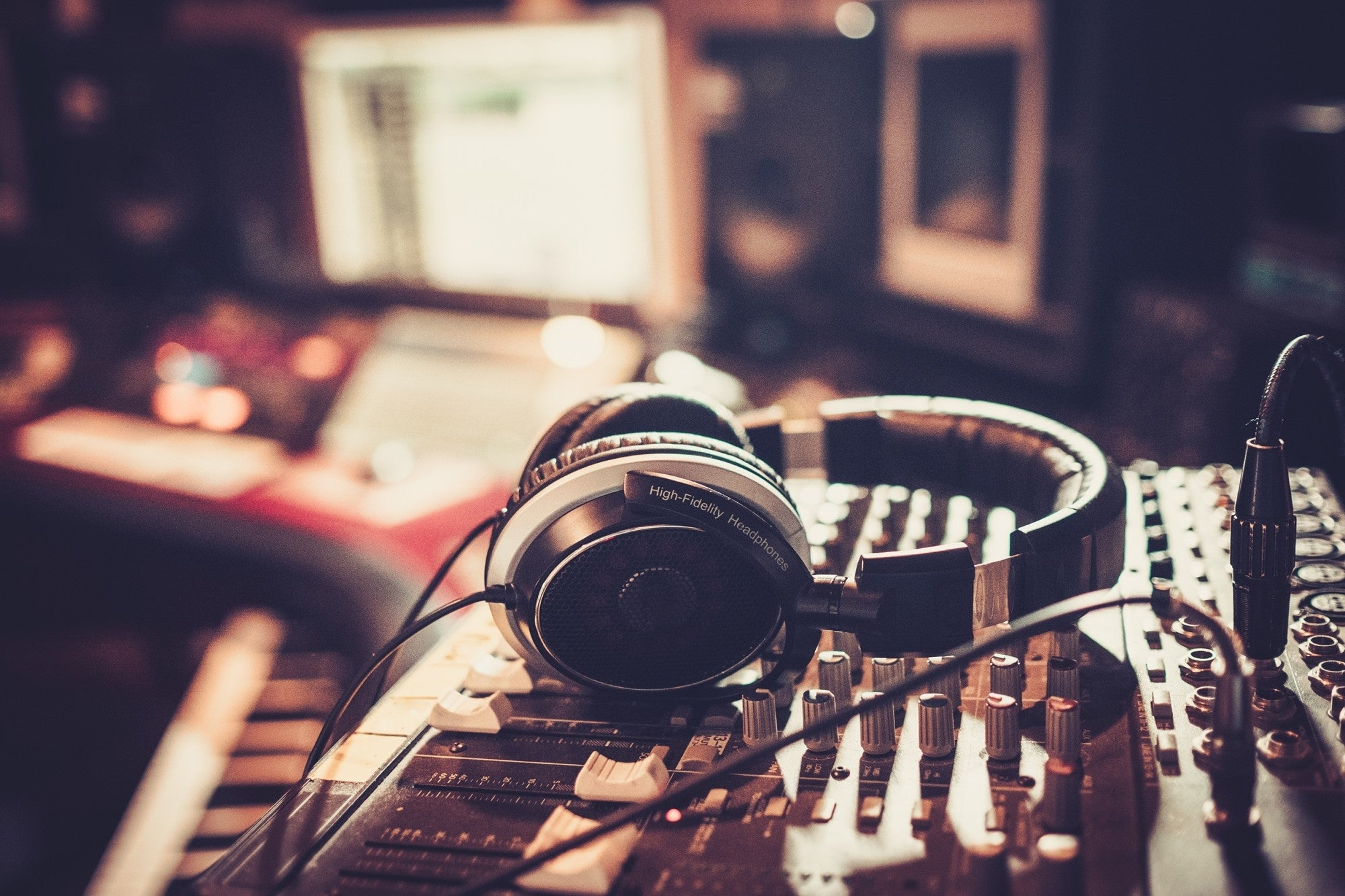 Music Funding Resources for Independent Musicians Who Need Money Now