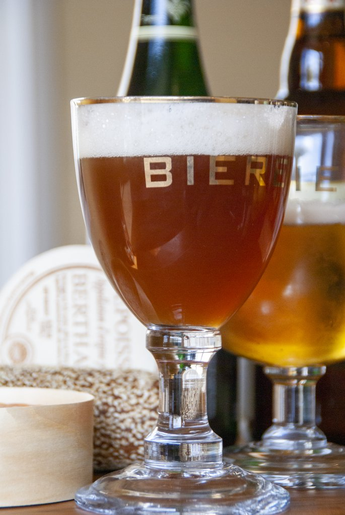Biere Stemmed Abbey Glass with Gold Rim (Set of 4)