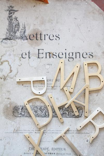 "Orban & Sons Brass Letter ""X"" - Le Marché Pop Up"