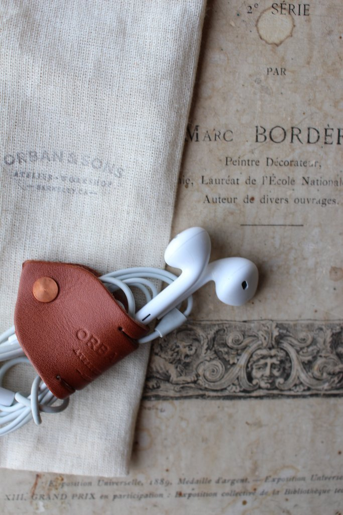 Orban & Sons Mahogany Brown Leather Cable Keeper - Le Marché Pop Up
