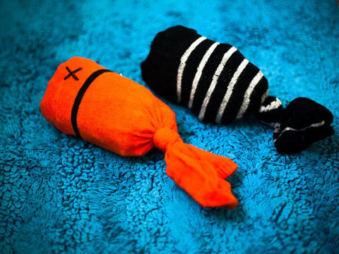 7 Easy-To-Make DIY Cat Toys In 2021 Image 4