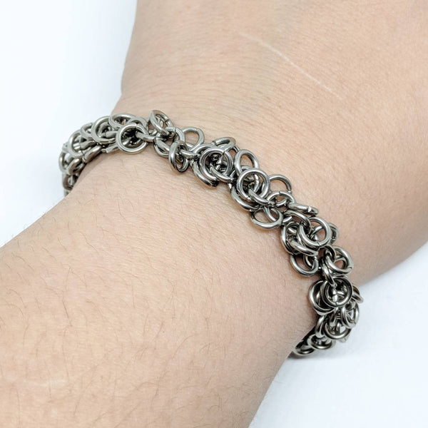 Shaggy Loops Bracelet - ZenJumps Chainmaille