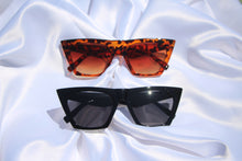 "Load image into Gallery viewer, ""Charlene"" Vintage Cat eye sunnies - Shop First Class"