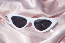 "Load image into Gallery viewer, ""Fancy"" Retro Cat Eye Sunnies - Shop First Class"