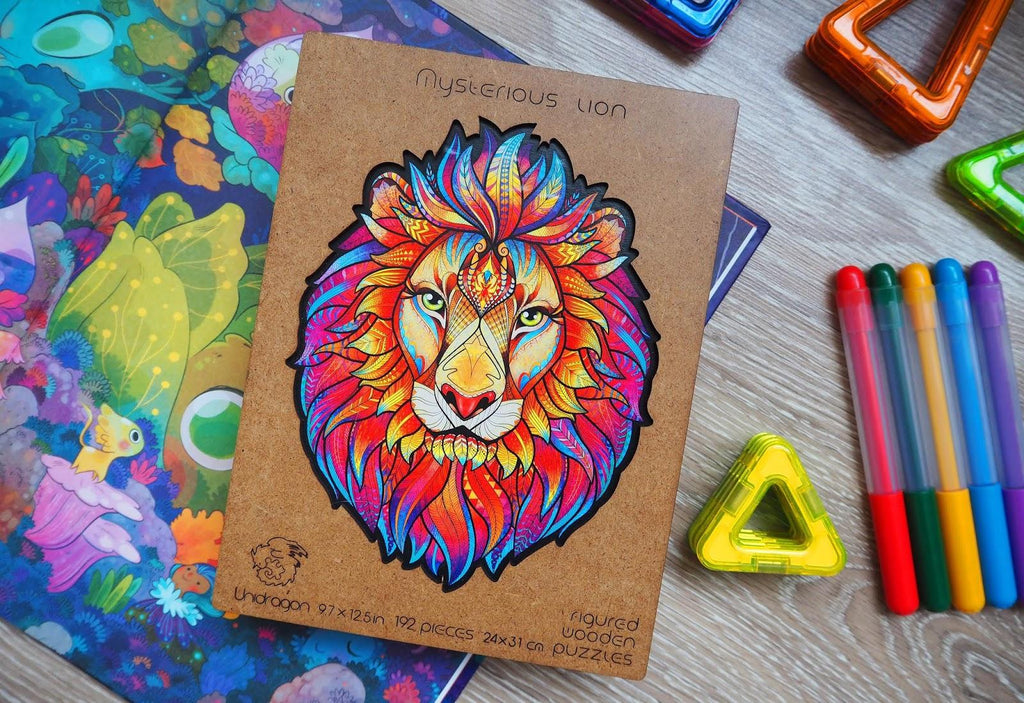 Wooden jigsaw puzzle «mysterious lion» in box