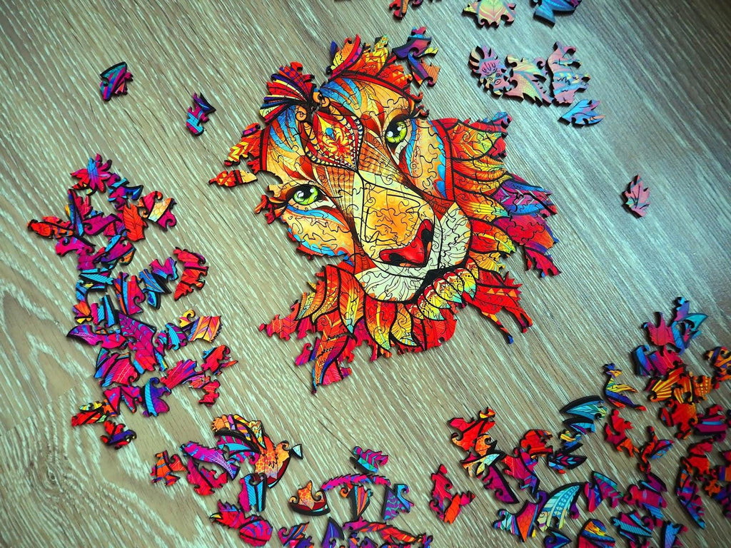 Assembly of the wooden jigsaw puzzle «mysterious lion» in progress
