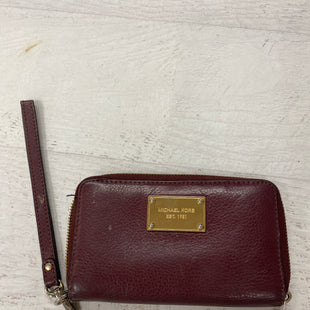 Primary Photo - BRAND: MICHAEL KORS STYLE: WRISTLET COLOR: MAROON SKU: 193-193138-5913
