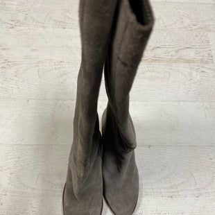 Primary Photo - BRAND: VINCE CAMUTO STYLE: BOOTS KNEE COLOR: GREY SIZE: 11 SKU: 193-193106-16998