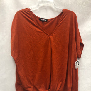 Primary Photo - BRAND:    CLOTHES MENTOR STYLE: TOP SHORT SLEEVE COLOR: ORANGE SIZE: 3X OTHER INFO: FULL CIRCLE - SKU: 193-19357-55058