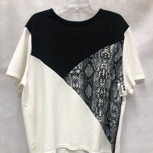 Primary Photo - BRAND: FOREVER 21 STYLE: TOP SHORT SLEEVE COLOR: WHITE SIZE: 3X SKU: 193-193153-746