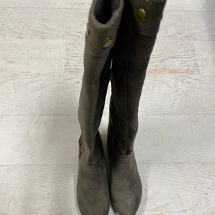 Primary Photo - BRAND:    CLOTHES MENTOR STYLE: BOOTS KNEE COLOR: GREY SIZE: 6.5 OTHER INFO: WHITE MOUNTAIN - SKU: 193-19357-49827