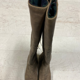 Primary Photo - BRAND:    CLOTHES MENTOR STYLE: BOOTS KNEE COLOR: TAUPE SIZE: 8.5 SKU: 193-19357-53184
