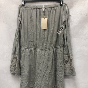 Primary Photo - BRAND: DOE & RAE STYLE: DRESS SHORT LONG SLEEVE COLOR: GREY SIZE: M SKU: 193-19337-614