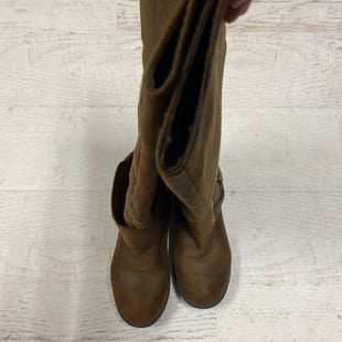 Primary Photo - BRAND:    CLOTHES MENTOR STYLE: BOOTS KNEE COLOR: TAN SIZE: 6 SKU: 193-19357-40122