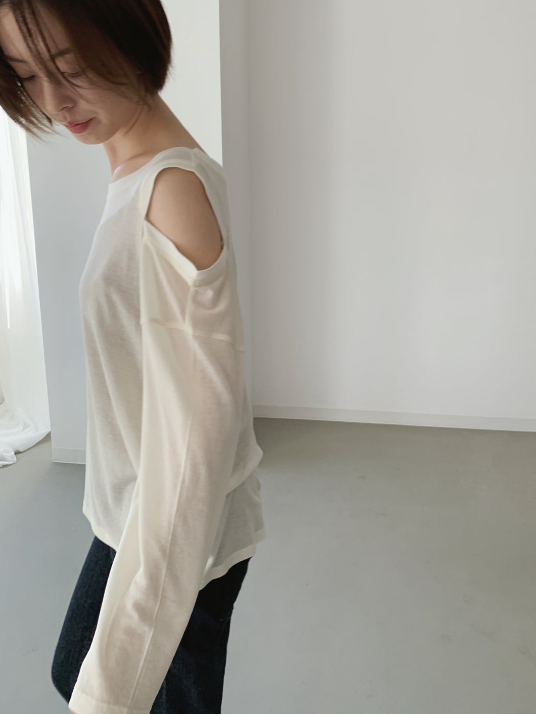 cut shoulder tops