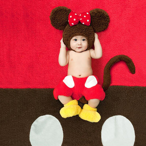 Baby taking pictures of Mickey Mouse clothes  Baby Photo Props