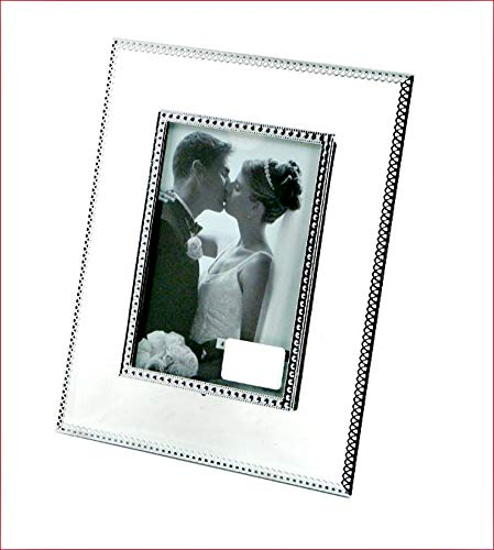 "Photo Frame 4"" X 6"" Clear Glass 7.6"" X 9.6"" Overall"