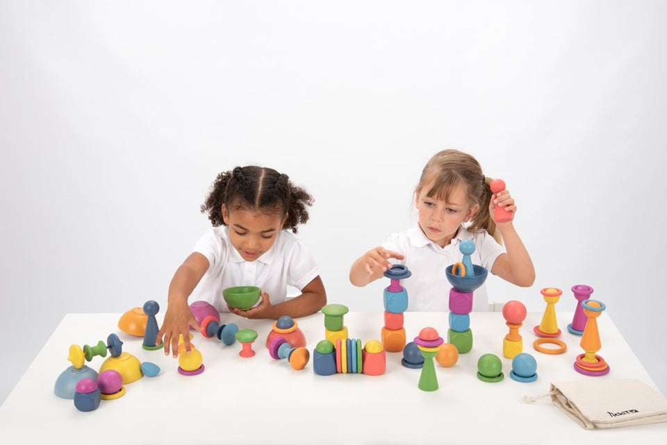 Rainbow 84 Pieces Wooden Play Set - Daily Mind