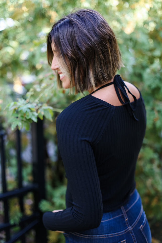 SQUARE NECK BLACK TOP
