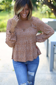 RUST SMOCKED TOP