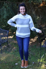 TURTLE NECK STRIPE SWEATER