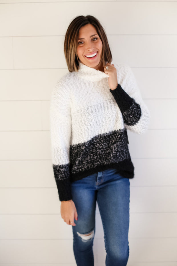 COLOR BLOCK KNIT FUZZY SWEATER